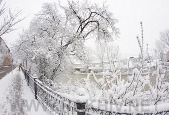 Рахів новини. Фото снігу 03 квітня 2015р. у м.Рахів