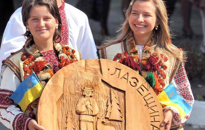 Підтримаймо голосуванням Лазещину у фіналі всеукраїнського конкурсу  «Неймовірні села України – 2016»