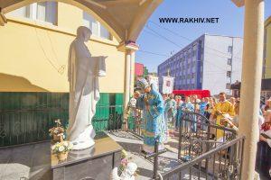 рахів_освячення_статуї_Богородиці