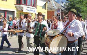 фестиваль-гуцульська-бринза фото 2016