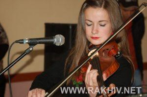 vystavka-den_hudozhnyka_rakhiv