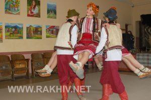 vystavka_den_hudozhnyka-rakhiv
