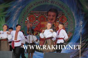 Попович збирає таланти Рахів фото