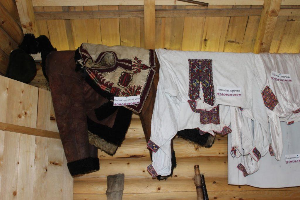 гуцульська-хатинка-музей-богдан