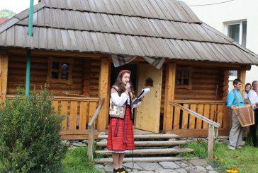 """Музей """"Гуцульська хатинка"""" в селі Богдан."""