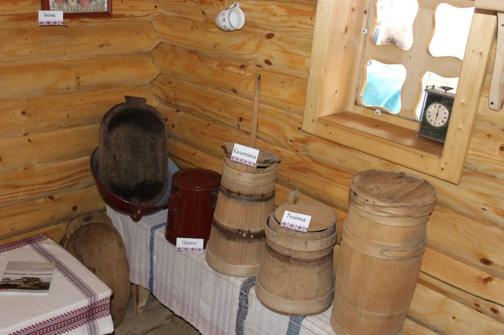 музей-гуцульська_хатинка